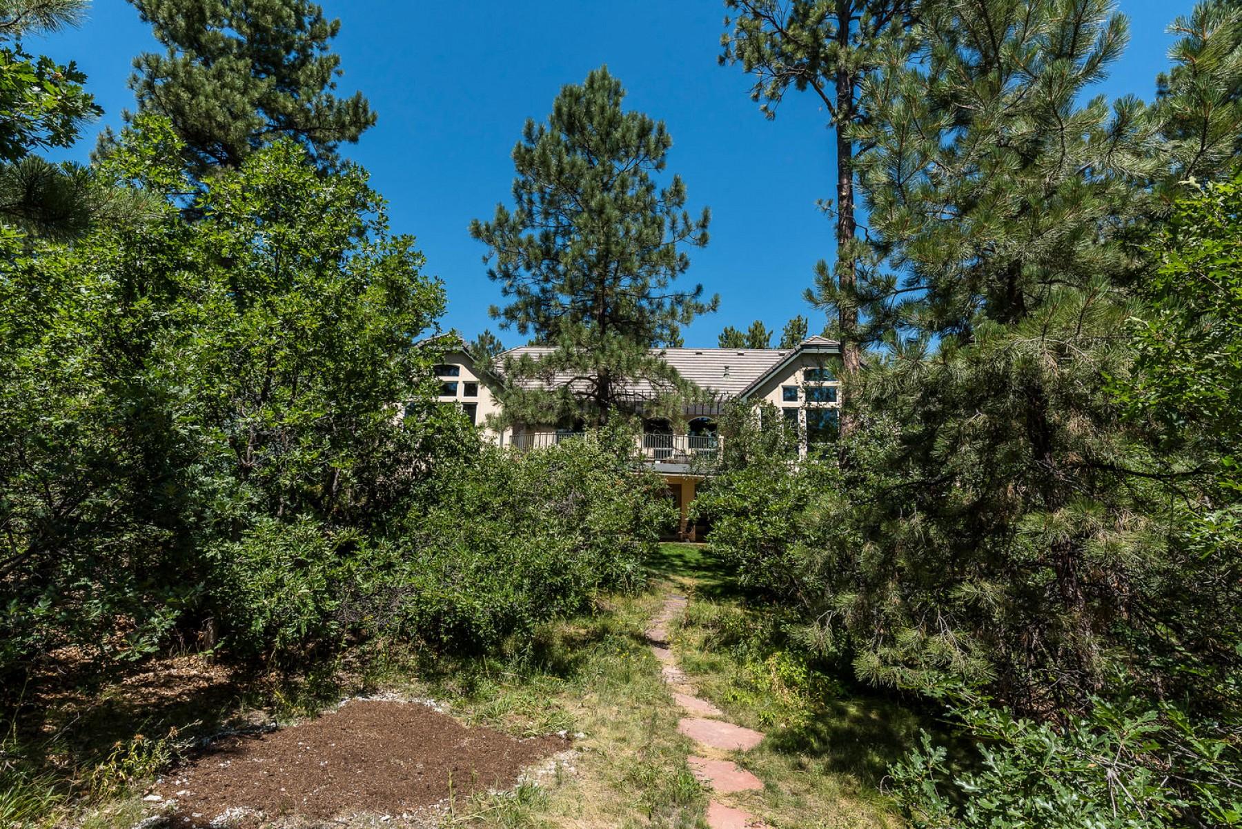 82 Crestone Way, Castle Pines, CO 80108