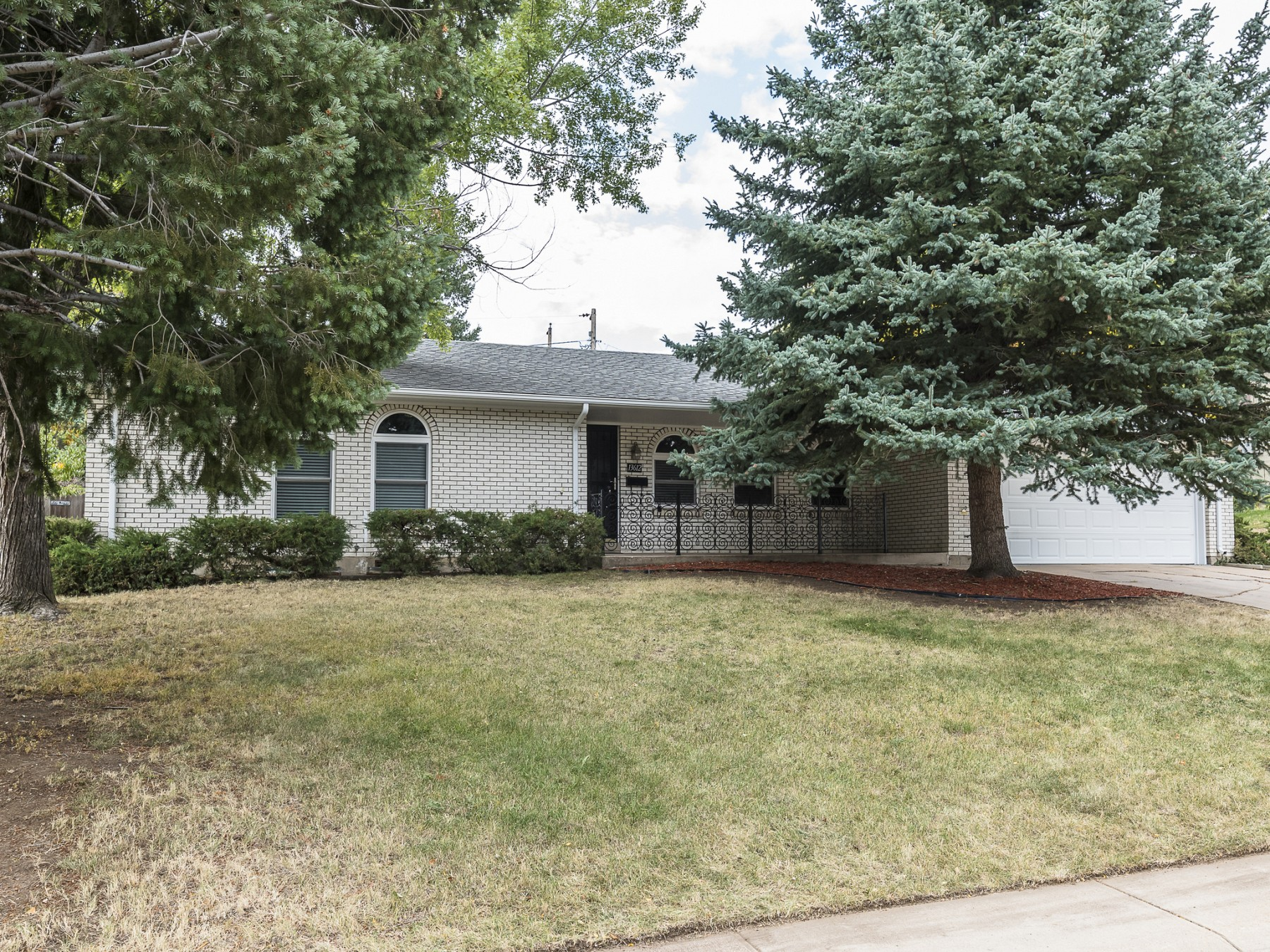 13612 W Alaska Pl, Lakewood, CO 80228