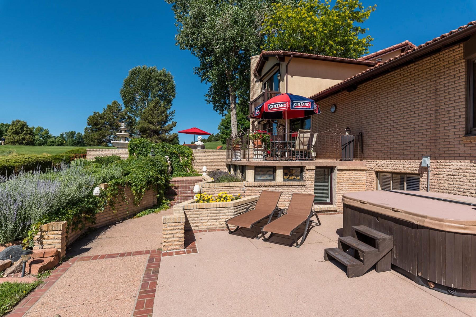 3942 S. Pinehurst Circle, Denver, CO 80235
