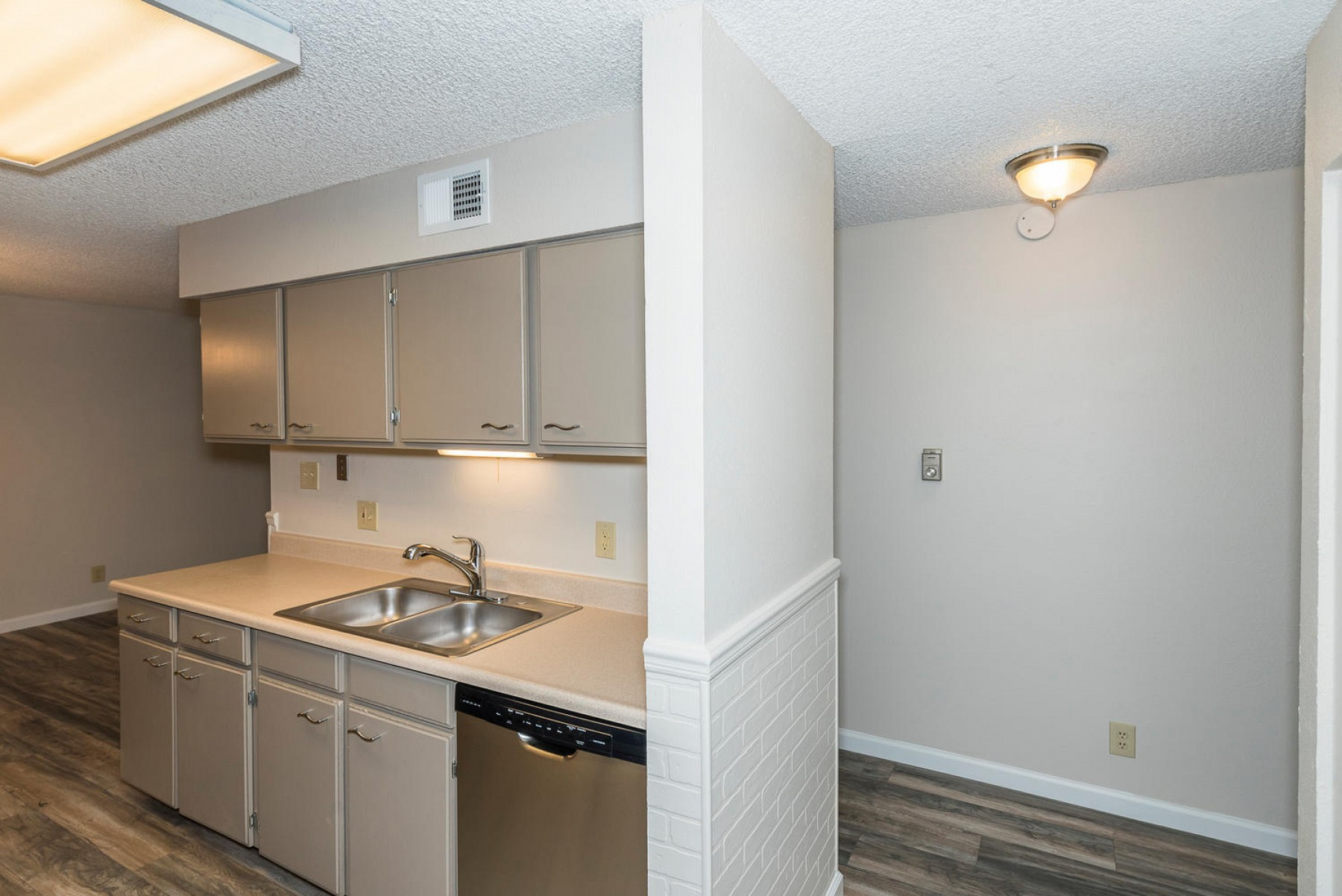 7375 E. Quincy Avenue #203, Denver, CO 80237