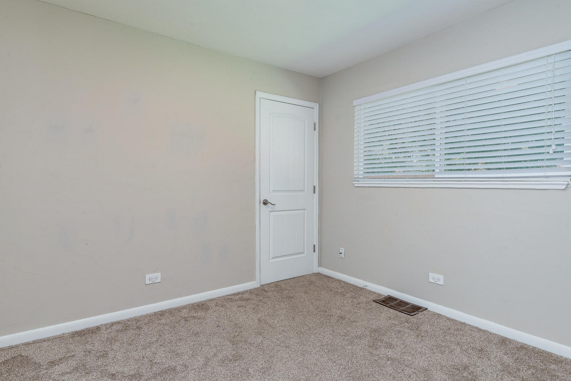 2861 S. Jackson Street, Denver, CO 80210